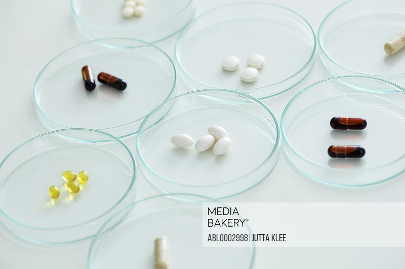 Capsules and Tablets in Petri Dishes