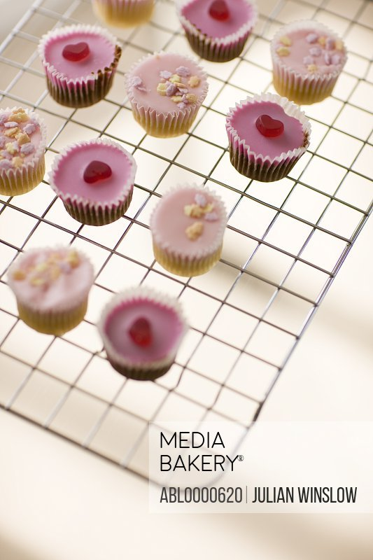 Cupcakes on airing tray