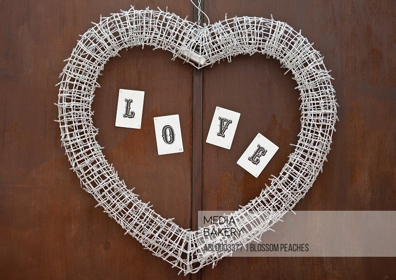 Intertwined String Lights Heart Shaped Wreath with Love Cards Lettering