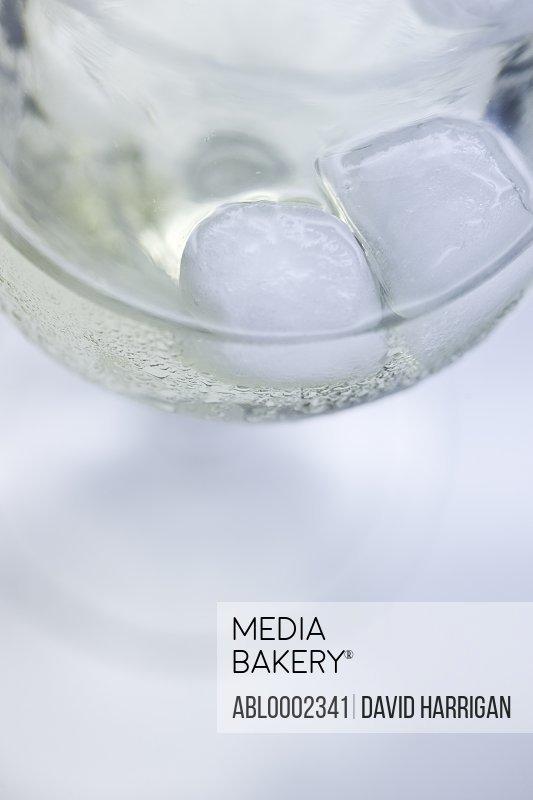 White Wine Spritzer with Ice