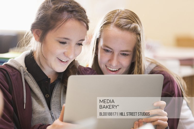 students using essay writing services Our essay writing service for your college and universities essays and the special features offered when you buy a paper.