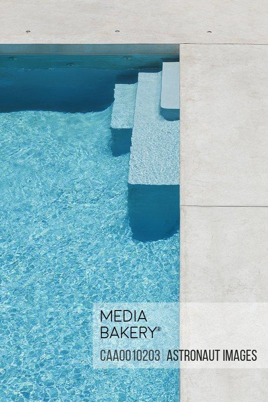 Steps to modern pool